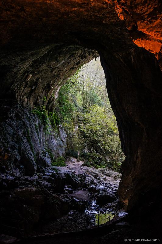 Boca de salida de la cueva grande de Zugarramurdi
