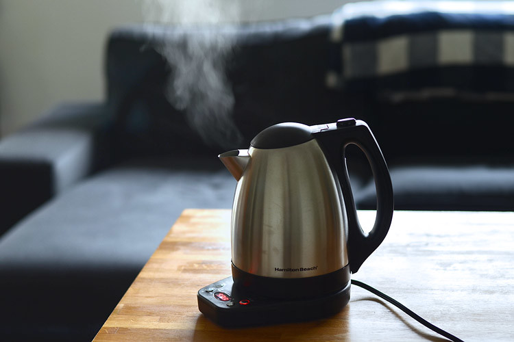 Steaming Electric Kettle On Brown Table Www Yourbestdigs