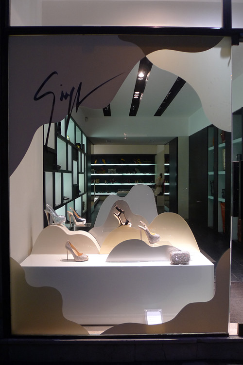 vitrine giuseppe zanotti paris d cembre 2011 flickr. Black Bedroom Furniture Sets. Home Design Ideas