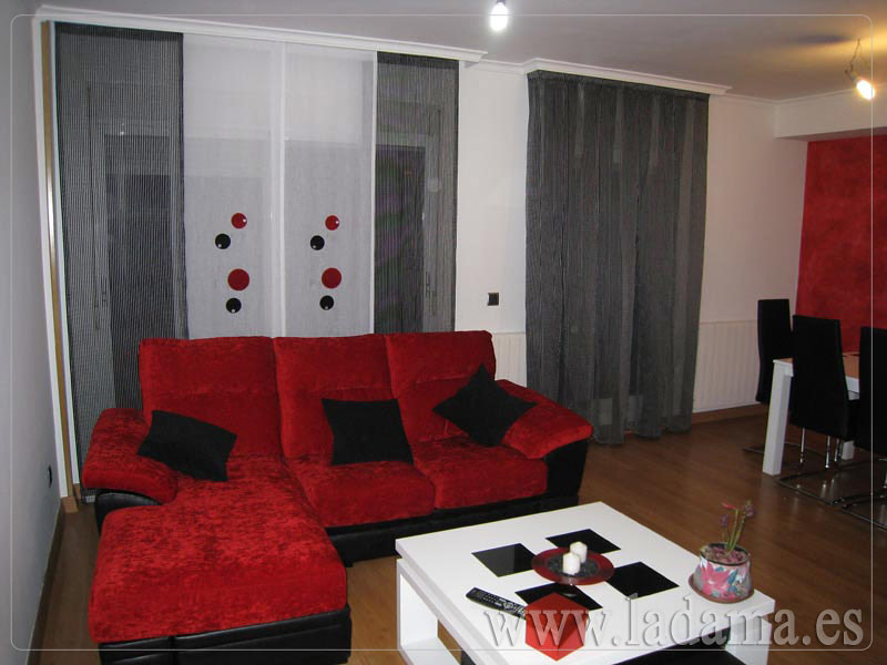 Decoraci n para salones modernos cortinas paneles japone for Cortinas para salon gris