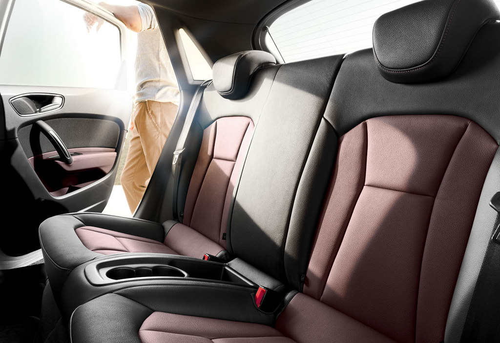 Audi a1 sportback interior rear space milano leather for Audi a1 sportback interieur