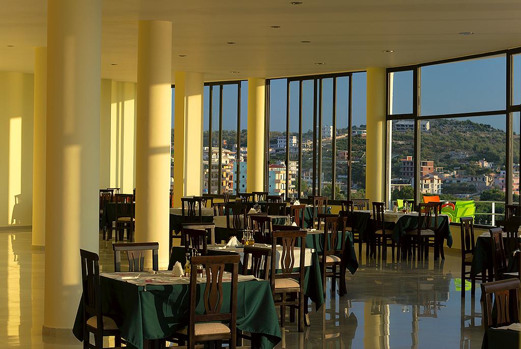New Majestic Hotel Aqua Room