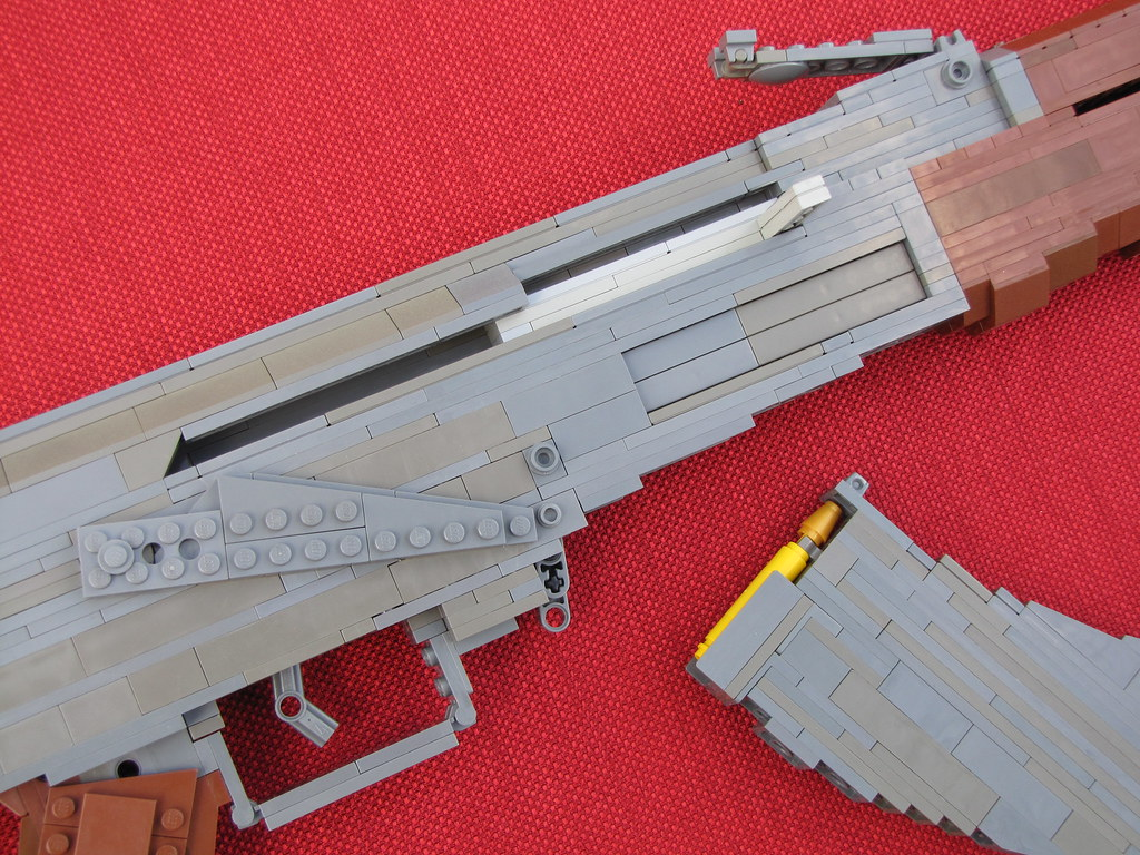 LEGO AK-47 04 | My AK features a spring-loaded magazine rele ...