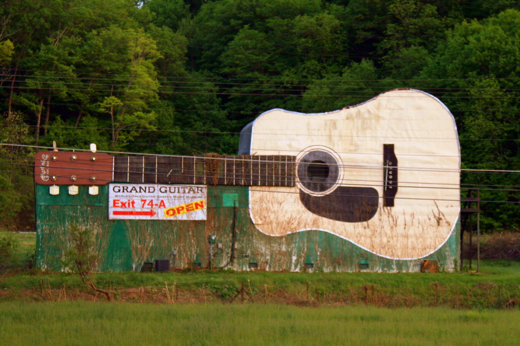 World S Largest Guitar Interstate View This Has Been