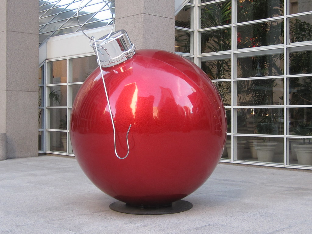 Giant Outdoor Christmas Ornament | Shaireproductions.com | Flickr