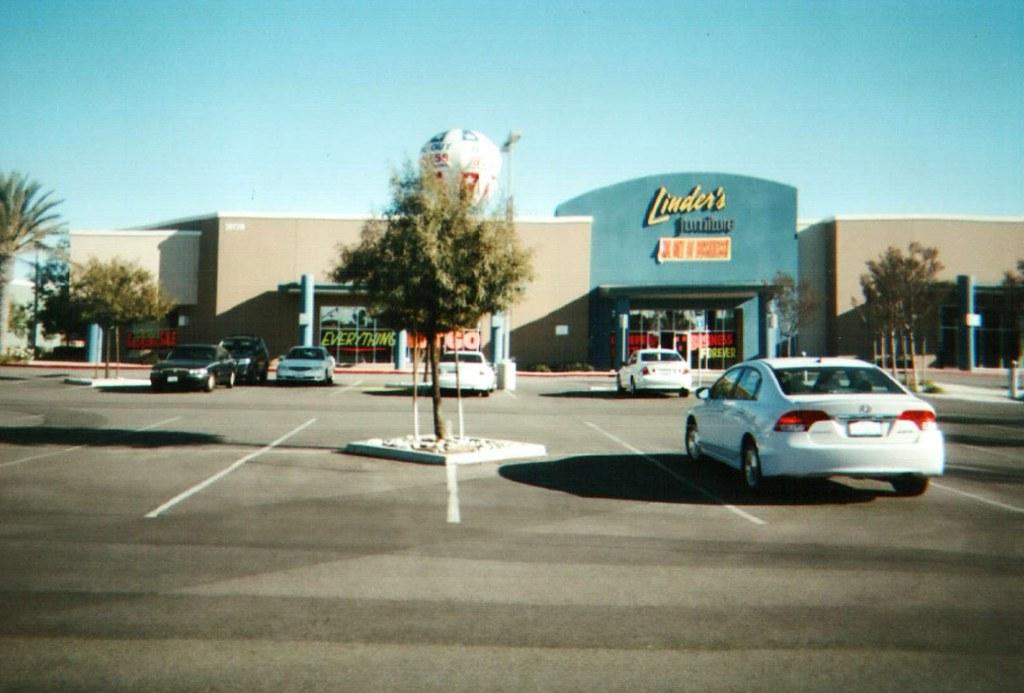 Linder 39 s furniture store closing sale linder 39 s for K furniture mall karur