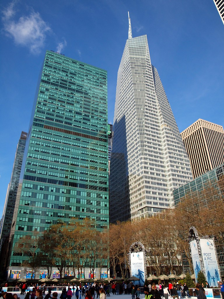 """mgpo440 bank of america tower bank of america tower: redesigning skyscrapers why invest to build a more sustainably designed place of business one answer used to be """"because it's the right."""