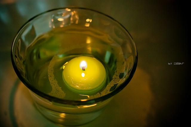 4 366 vela en aceite y agua flickr photo sharing - Velas de agua ...