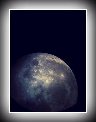 Just took this picture of the moon with my iPhone | by Vlad Lunin
