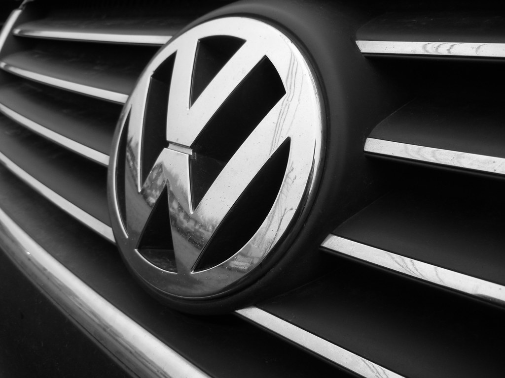 Vw Badge Shot Of My Friend S Vw Grill And Badge My