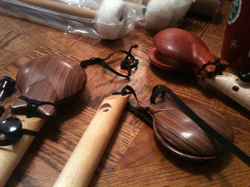 Castanet Playing Song by ahjaystelino  Teaching Resources