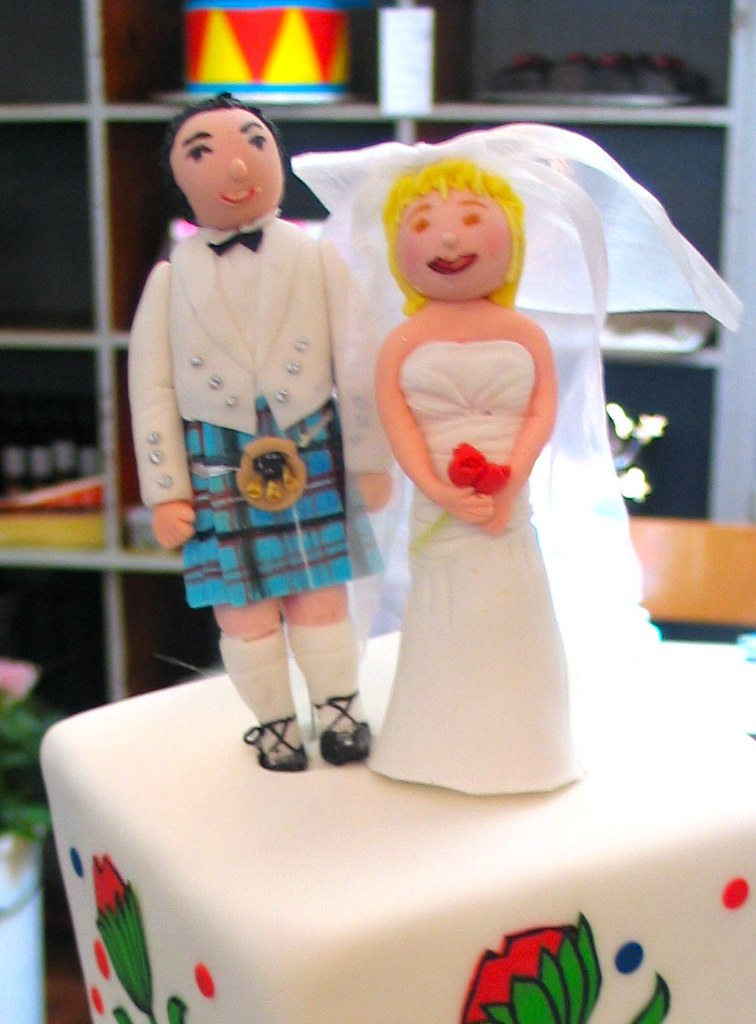 wedding cake toppers kilt 3d wedding cake topper in kilt amp white dress flickr 8831