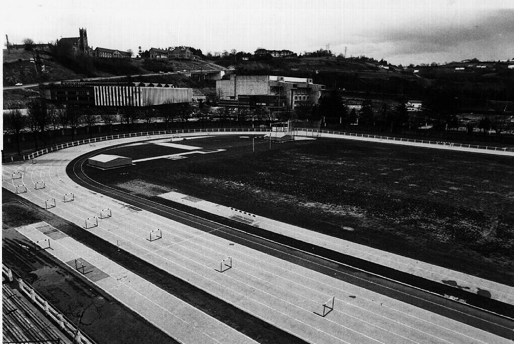 Anoeta kirolgunea ciudad deportiva anoeta atletismo for Puerta 8 ciudad deportiva