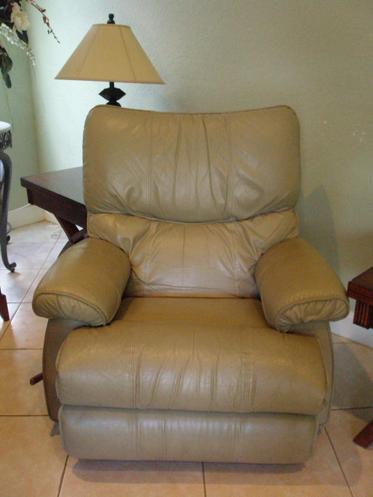 lazy boy leather recliner 50 lazy boy leather recliner 5 flickr. Black Bedroom Furniture Sets. Home Design Ideas