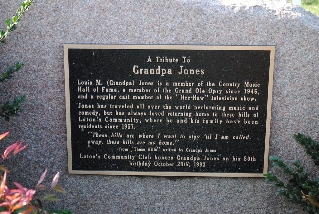 GRANDPA JONES MEMORIAL | This Memorial to Grand Ole Opry ...