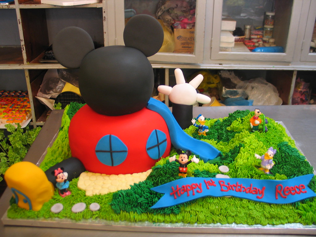 Mickey Mouse Clubhouse House Cakes Mickey Mouse Clubhouse Shaped