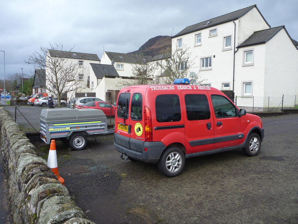 renault kangoo trekka dci 4x4 trossachs sar team at behind flickr. Black Bedroom Furniture Sets. Home Design Ideas