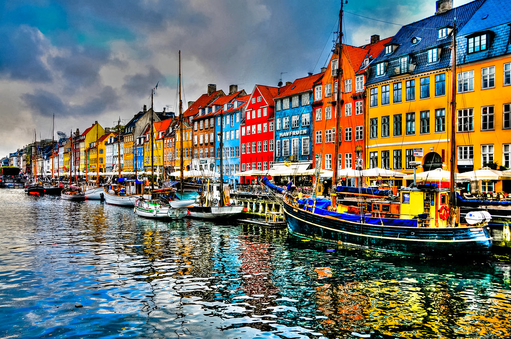 nyhavn copenhagen denmark nyhavn  new harbour free clip art camera black cat free clip art camera aperture