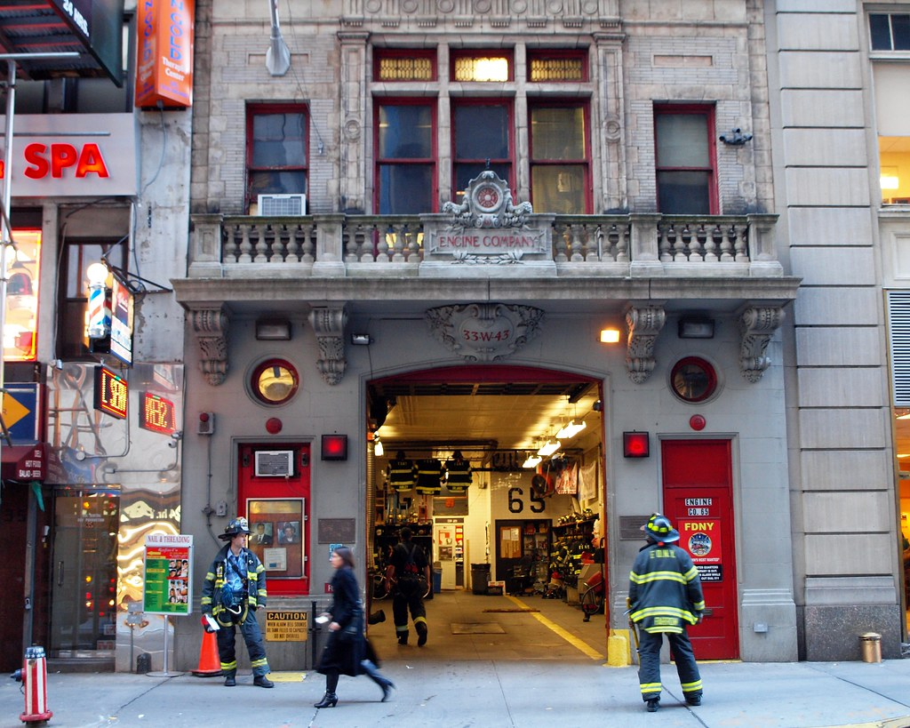 E065 Fdny Firehouse Engine 65 Times Square New York City Flickr
