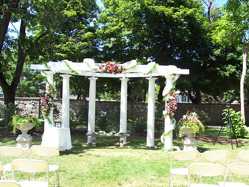 Decorated wedding pergola sonnenberg gardens flickr for How to take wedding photos