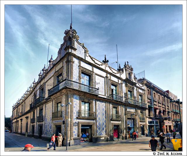M xico df casa de los azulejos desde la calle francisco for Casa de los azulejos sanborns df