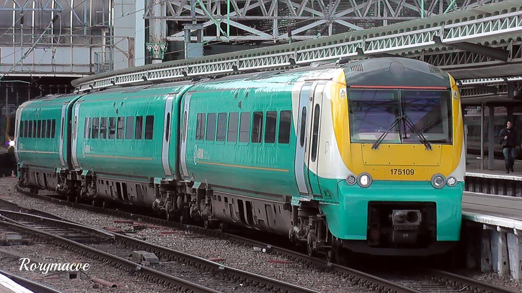 Arriva Trains Jobs >> Arriva Trains Wales 175109 at Manchester Piccadilly | Flickr