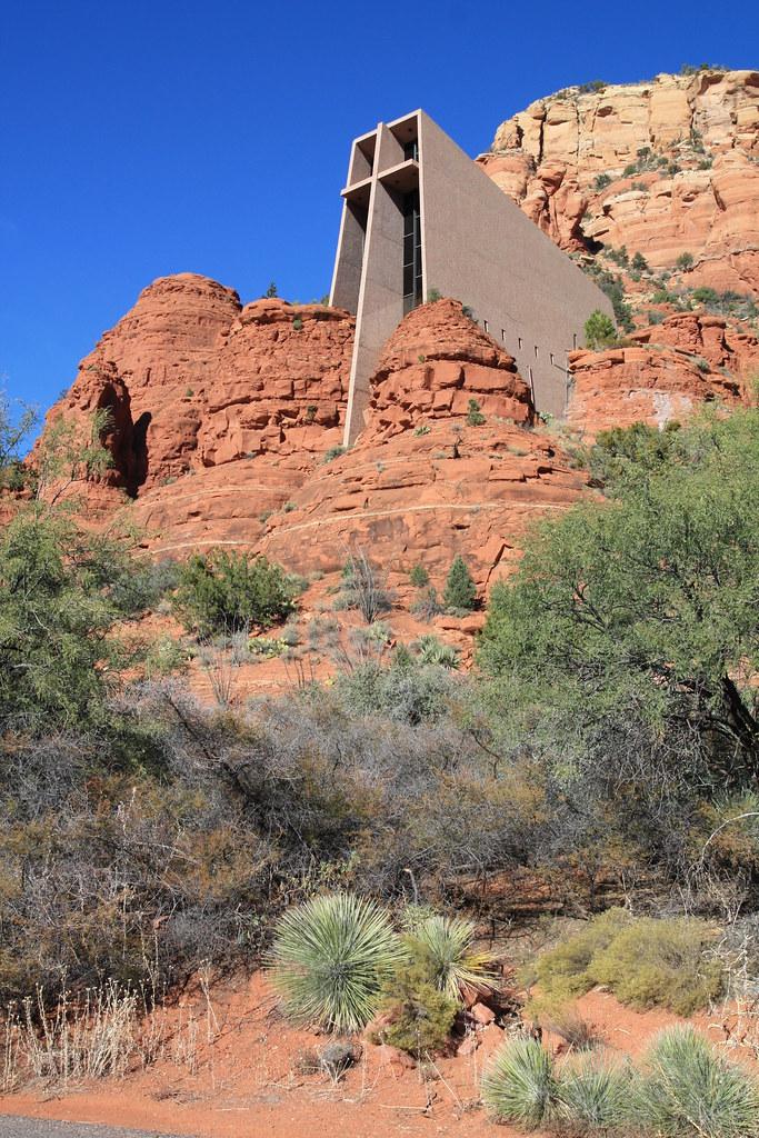 Chapel of the holy cross sedona az inspired and for Sedona architects
