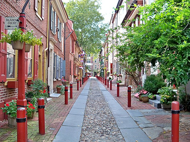 """Elfreth's Alley— popularly known as """"Our Nation's Oldest ..."""