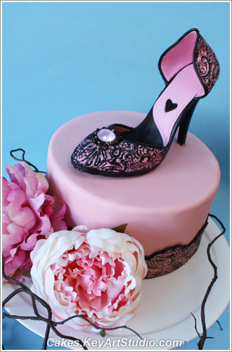 High Heel Shoe Cake Topper and Sugar Diamond Brooch class | by Cakes.KeyArtStudio.com