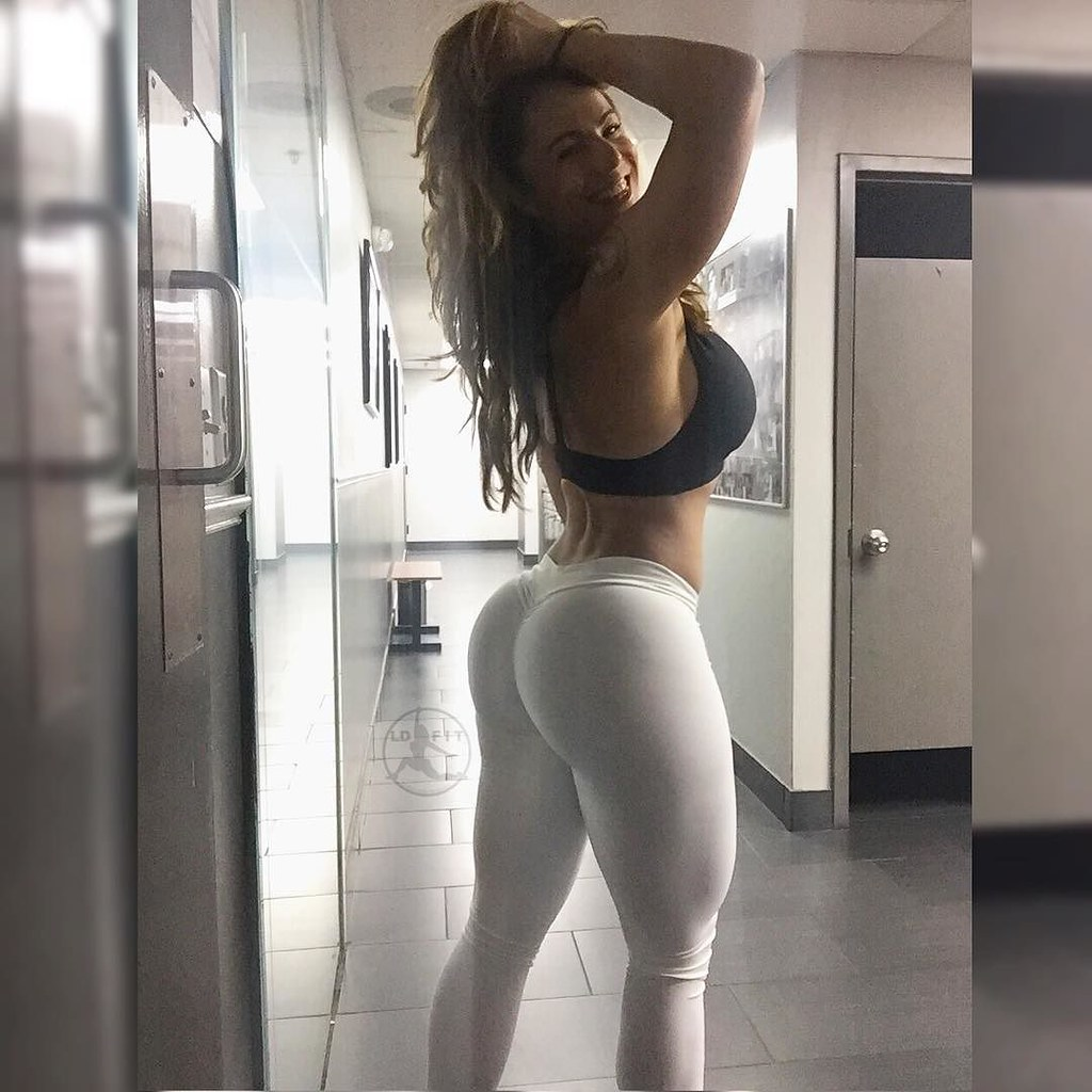 thick white booty