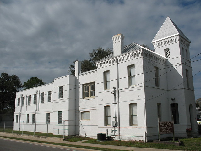 Write an inmate in clay county jail fl