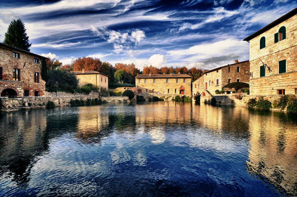 Piazza delle sorgenti bagno vignoni val d 39 orcia flickr - Bagno vignoni b b ...