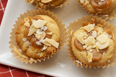 Salted Caramel Cookie Cups