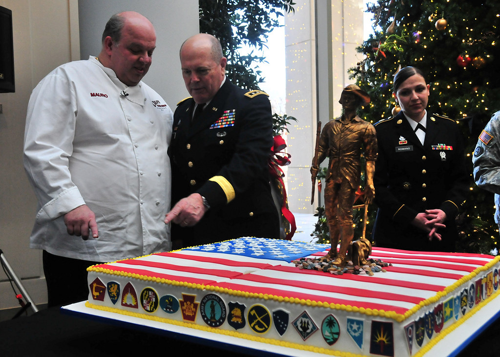 Cake Boss Helps National Guard Celebrate 375 Years Donate