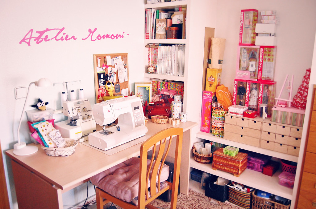 welcome to the atelier welcome to my little sewing corner flickr. Black Bedroom Furniture Sets. Home Design Ideas