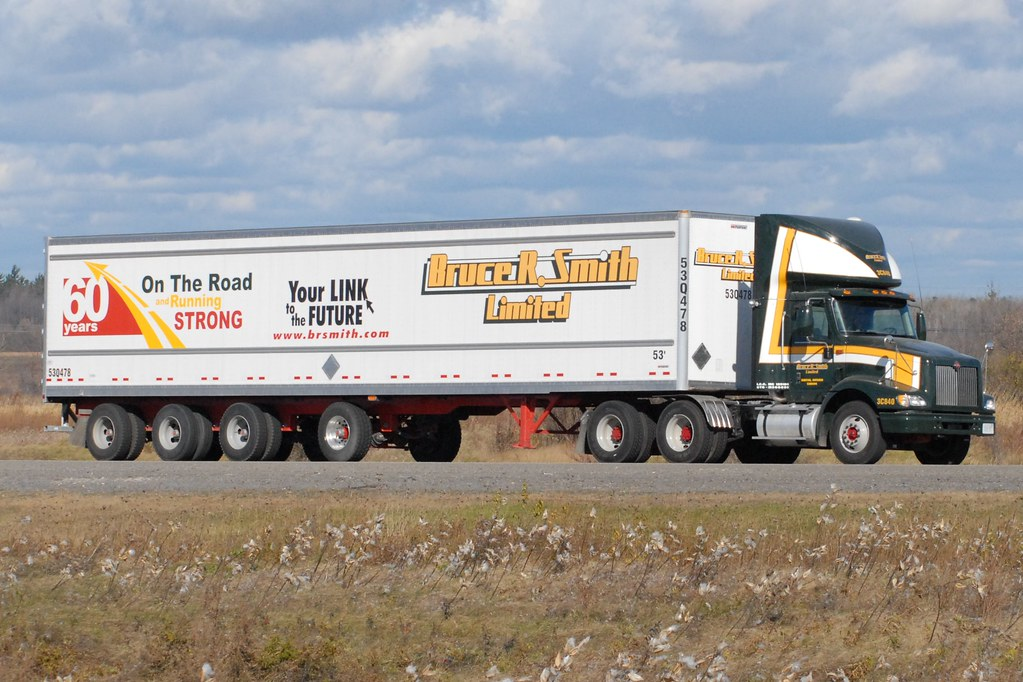 All Pro Trailers >> BRUCE R. SMITH 3C840 International day cab truck with a Ma ...