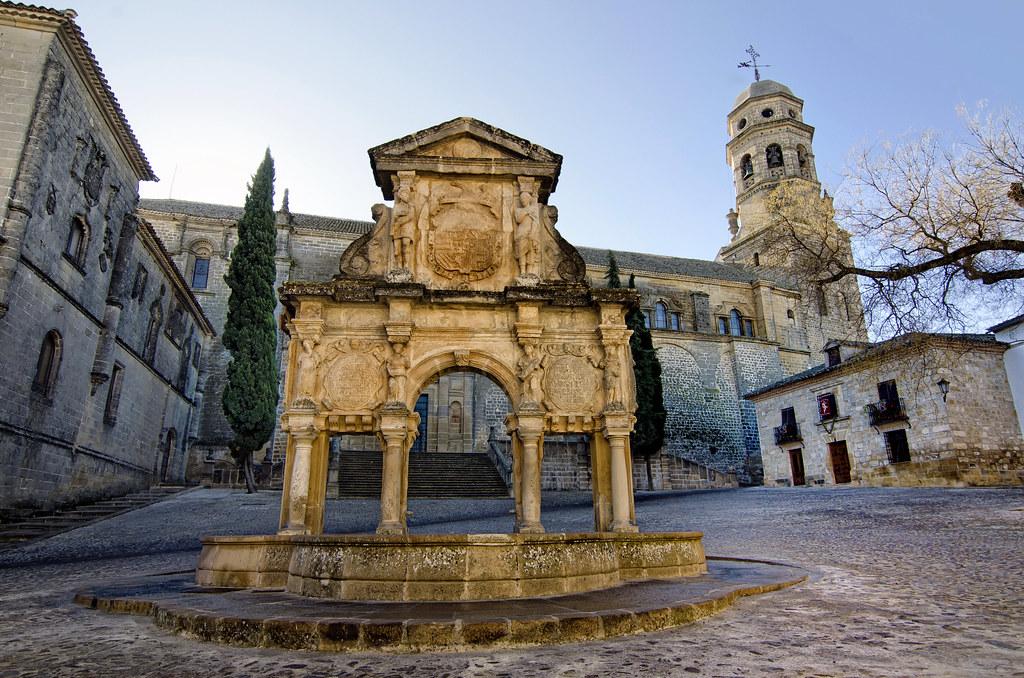 Baeza 2012. Plaza de Santa María, fuente barroca y Catedra…  Flickr