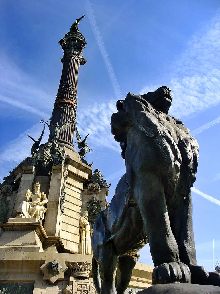 the columbus monument in barcelona spain the columbus
