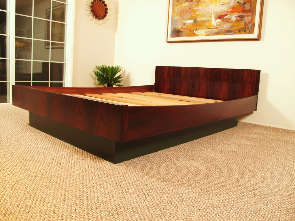 Danish modern Rosewood platform queen bed | Rinehart Retro ...