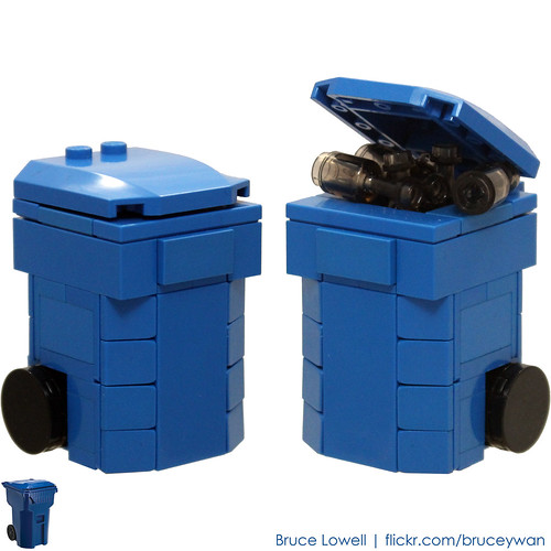 LEGO Recycling Bin (Blue) | by bruceywan