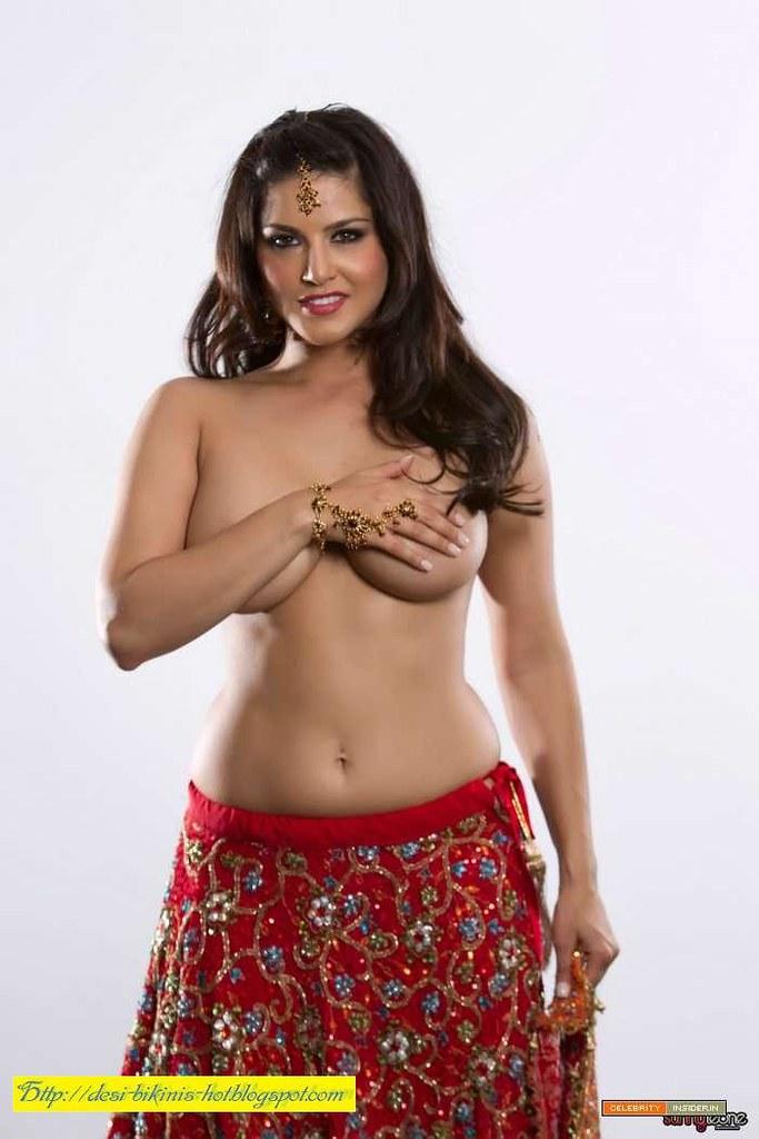 hot pics nude Saree