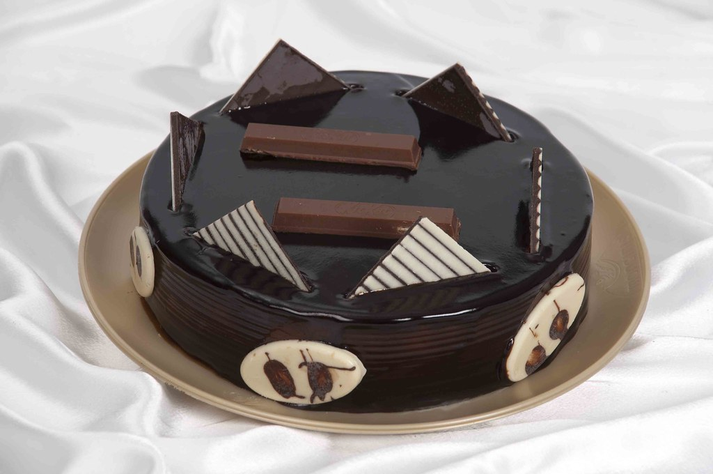Buy Ferrero Rocher Birthday Cake