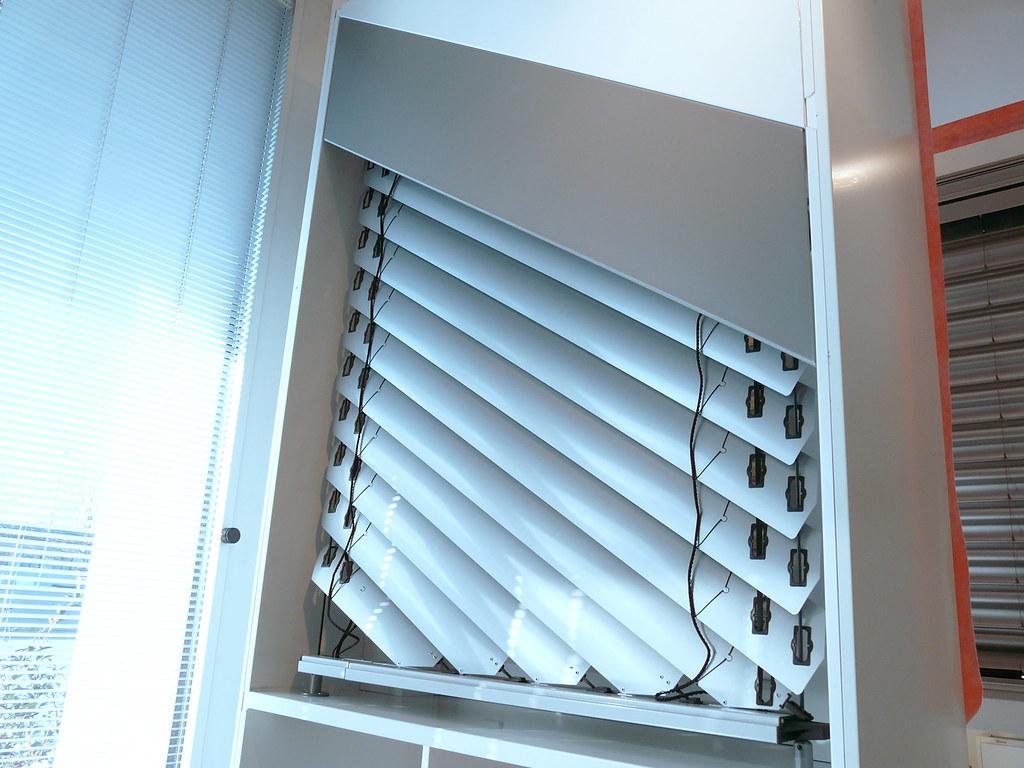 Profilati alluminio page 83 terminali antivento per for Costo velux motorizzato