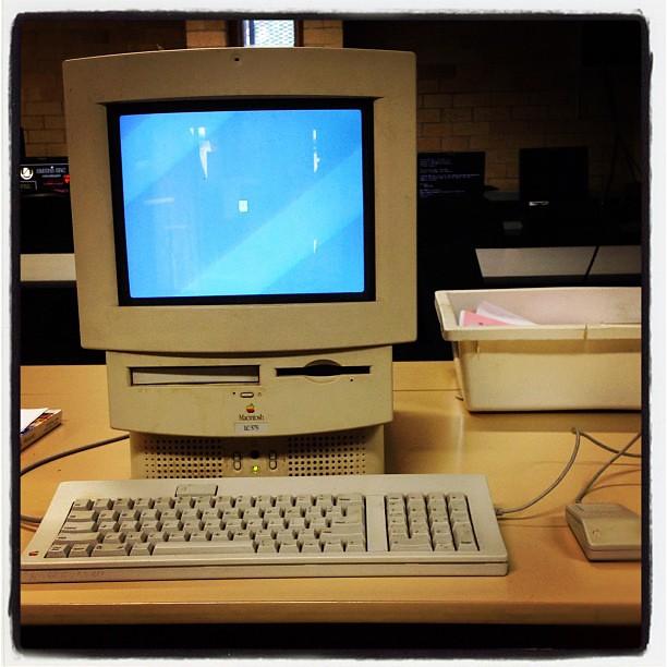 Classic Apple Computers 1994 Macintosh Lc 575 Jason