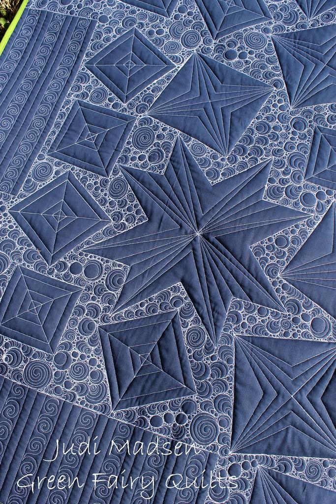 Starburst12 starburst quilt pattern by judi madsen for Thread pool design pattern