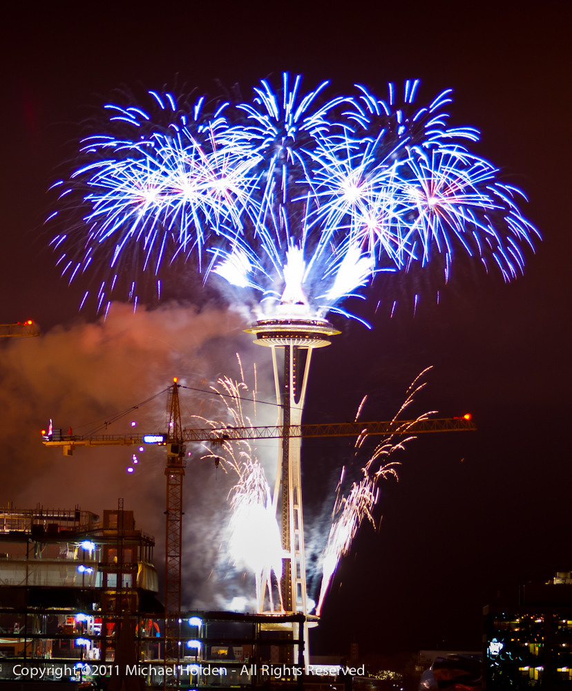 New Years 2012: Space Needle Fireworks in Seattle   New ...