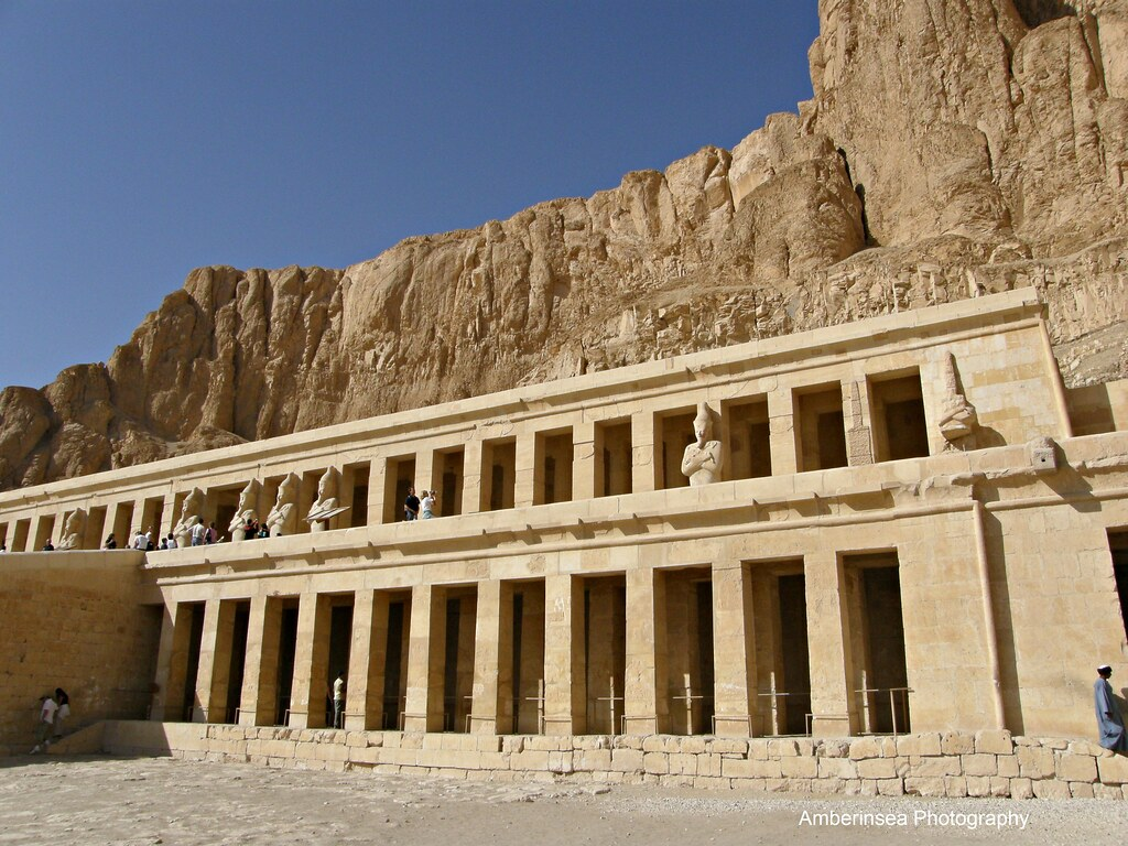 the temple of queen hatshepsut Temple of karnak, mortuary temple of hatshepsut,  the dilemma takes its name from confusion over the chronology of the rule of queen hatshepsut and thutmose i, .