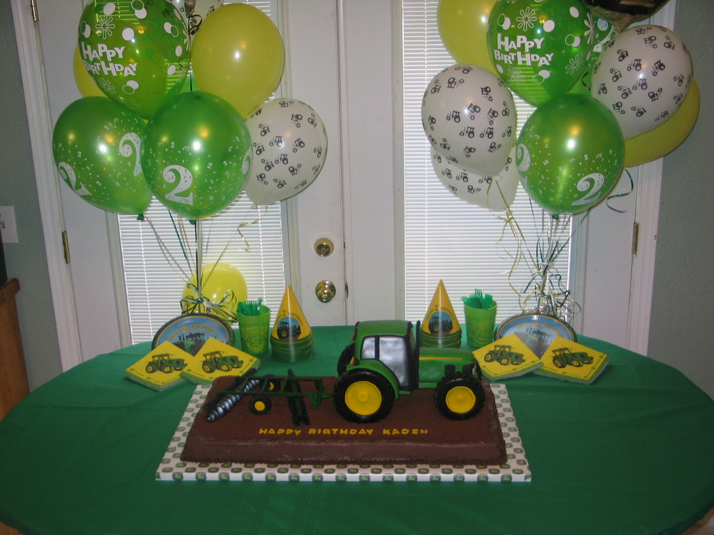 Tractor Cake Party Table 3D John Deere Tractor Cake