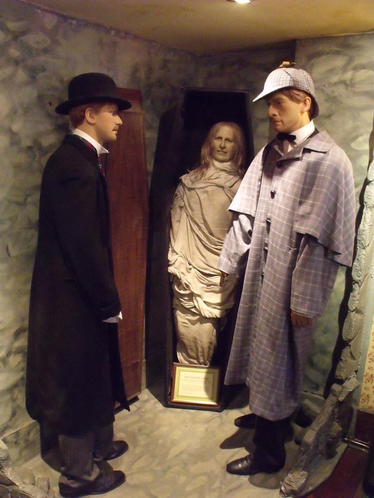 The Sherlock Holmes Museum - 221b Baker Street, London - D ...
