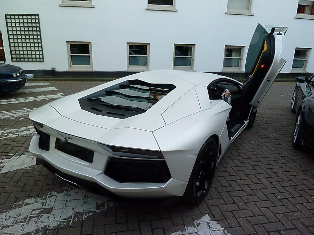 lamborghini aventador matte white lp700 4 ready for. Black Bedroom Furniture Sets. Home Design Ideas